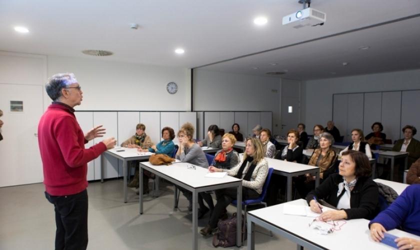 Sorteo de plazas de los cursos y talleres de Civican en otoño