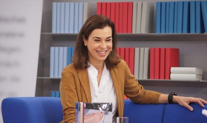Carmen Posadas en Diálogos de Medianoche