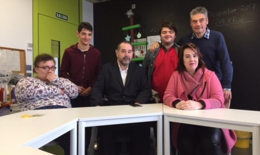 Taller de radio en Isterria con la presidenta del Parlamento de Navarra