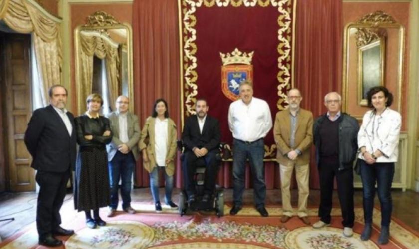 Visita del Patronato de Fundación Caja Navarra al Alcalde de Pamplona